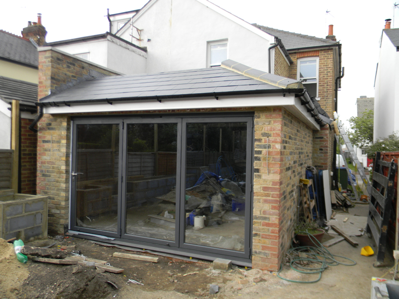 Kitchen extension building company east london for Building a kitchen extension ideas